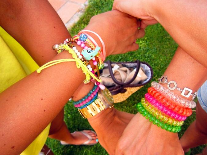 pulseras colores h&m